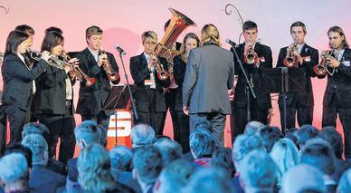 Festkonzert zum Festakt: Mit einem Trompeten-Quodlibet unterhielten die Blasmusiker die Gäste während der Preisverleihung in Potsdam. Foto: Thomas Trutschel