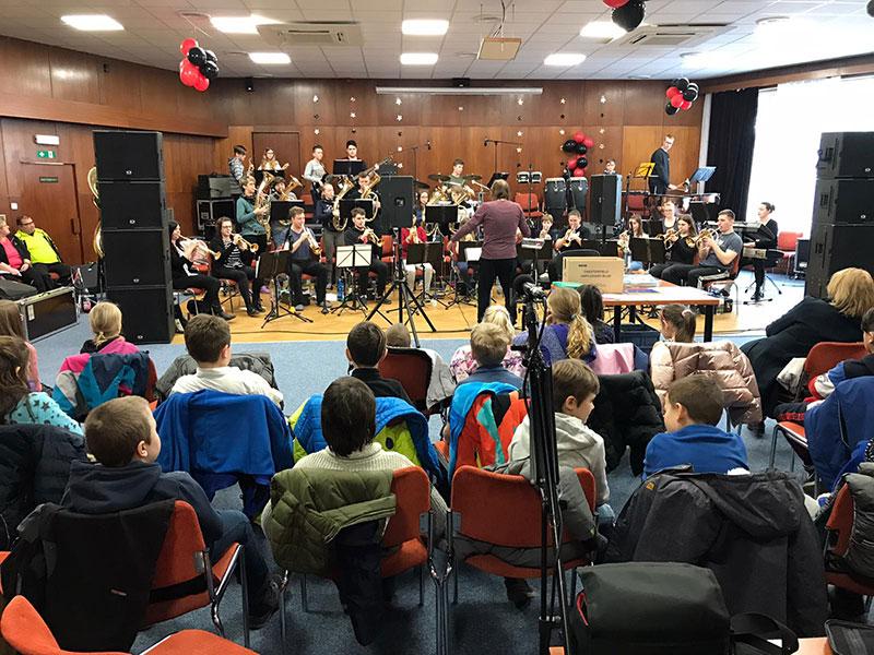 kleines Konzert für die Schüler/innen der Grundschule Staré Splavy