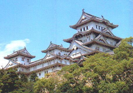 Schloss Himeji (erbaut 1346) - u.a. Sitz des Schwiegersohns von Ieyasu Tokugawa (regierte um 1600)